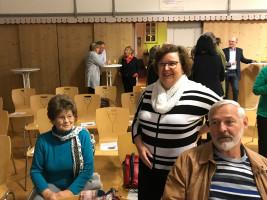 Die Grande Dame der SPD Bad Windsheim, Anni Seiler (links) im Gespräch mit Annemarie Appel und Bodo Negendank