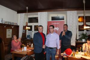 (von links) Bernhard Schurz, Landratskandidat der SPD; Siegfried Göttfert, Bürgermeisterkandidat SPD Bad Windsheim; Ronald Reichenberg, Stadtrat SPD Bad Windsheim